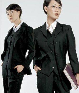 两粒扣经典正装女西服