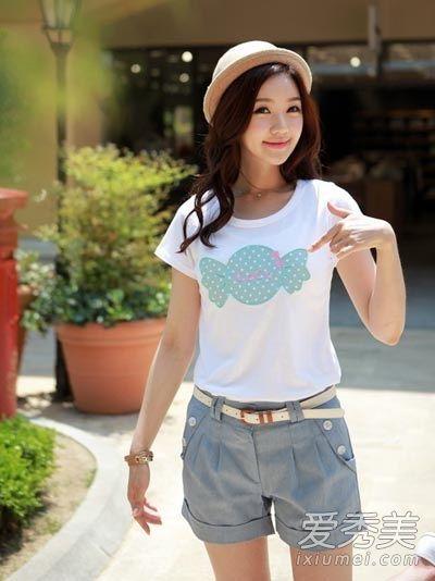 矮个女生夏季怎么穿 T恤搭短裤短裙